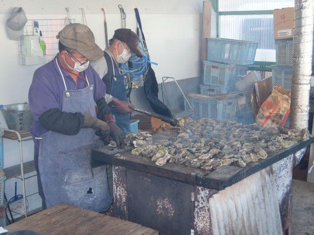 20.IMG_1708牡蠣を焼く