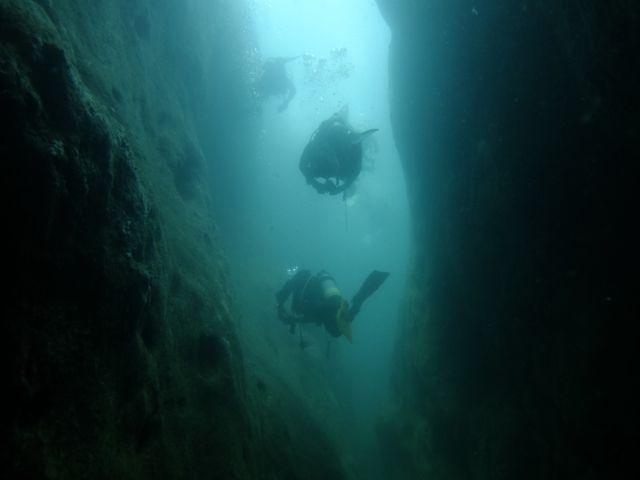 DSCF0045狭い穴