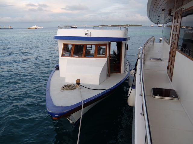 DSCF6046本船横付けドーニ