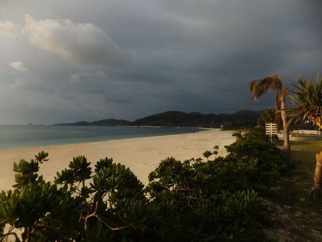 DSCF6847朝のイーフビーチ
