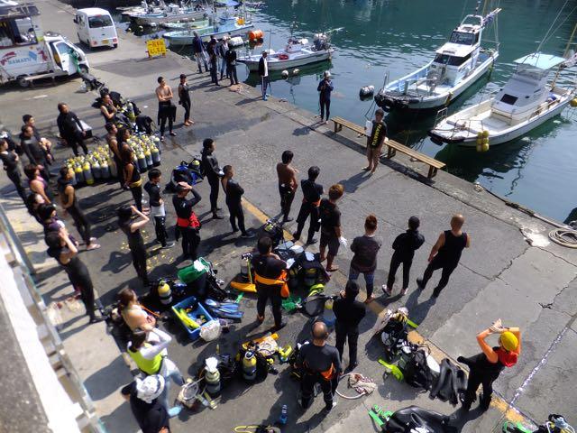 DSCF7166海底清掃前の集合