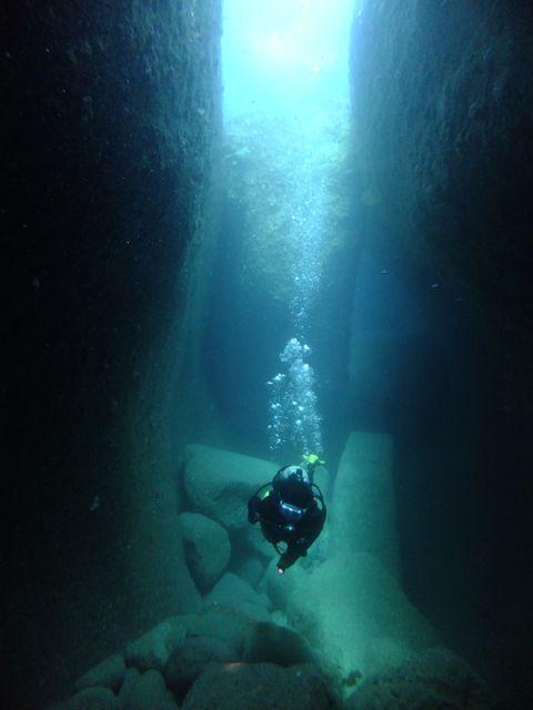 DSCF8973水路下の洞窟
