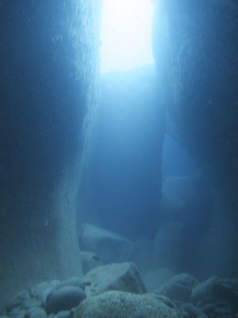 IMG_8746水路下の洞窟